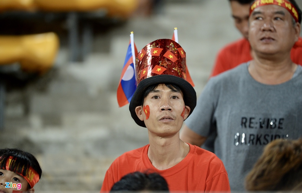 Co dong vien xinh dep co vu DTVN tren SVD quoc gia Lao hinh anh 3