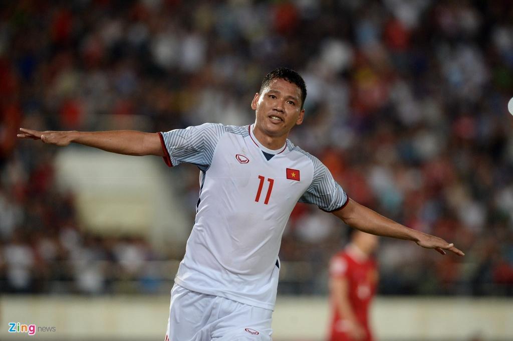 Bao chi Dong Nam A: 'DT Viet Nam la ung cu vien vo dich AFF Cup' hinh anh 2