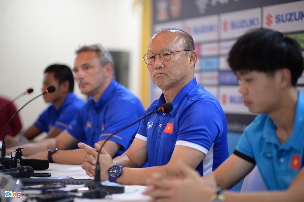 Myanmar,  Viet Nam,  AFF Cup,  Park Hang Seo,  cau nguyen,  doi tuyen anh 2