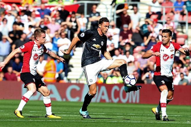 Man Utd vs Arsenal,  Mourinho,  Paul Pogba anh 2