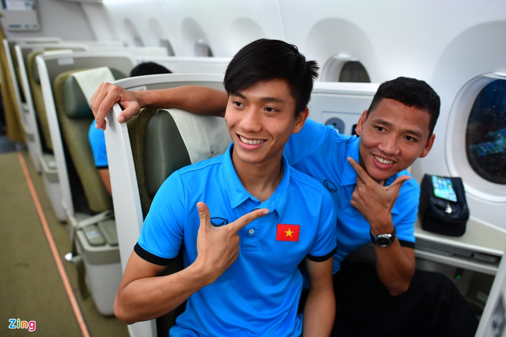 Thay tro HLV Park vui ve roi Malaysia ve nuoc hinh anh 15