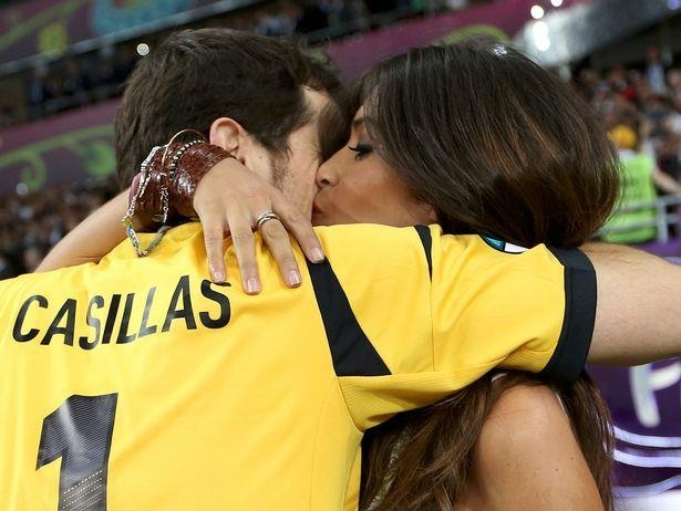 Sara Carbonero,  Iker Casillas,  thu mon Tay Ban Nha,  ung thu buong trung anh 7