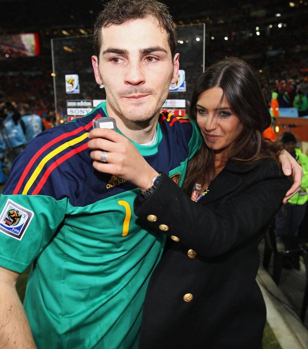 Sara Carbonero,  Iker Casillas,  thu mon Tay Ban Nha,  ung thu buong trung anh 8