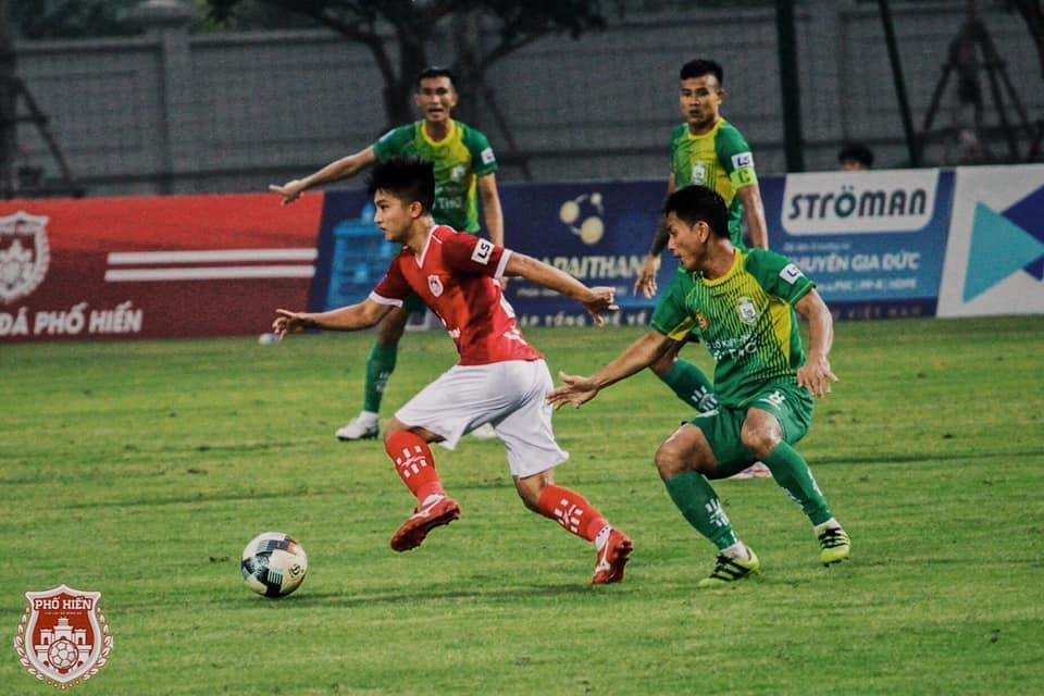 Martin Lo,  U23 Viet Nam,  cau thu Viet kieu,  Pho Hien FC,  SEA Games 30 anh 4