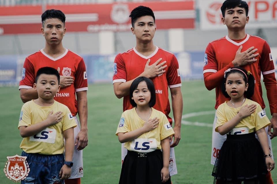 Martin Lo,  U23 Viet Nam,  cau thu Viet kieu,  Pho Hien FC,  SEA Games 30 anh 5