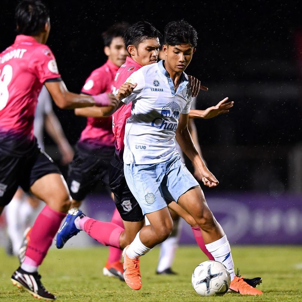 Luong Xuan Truong,  Buriram United,  doi tuyen Viet Nam,  King's Cup anh 8
