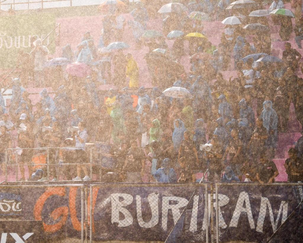 Luong Xuan Truong,  Buriram United,  doi tuyen Viet Nam,  King's Cup anh 6