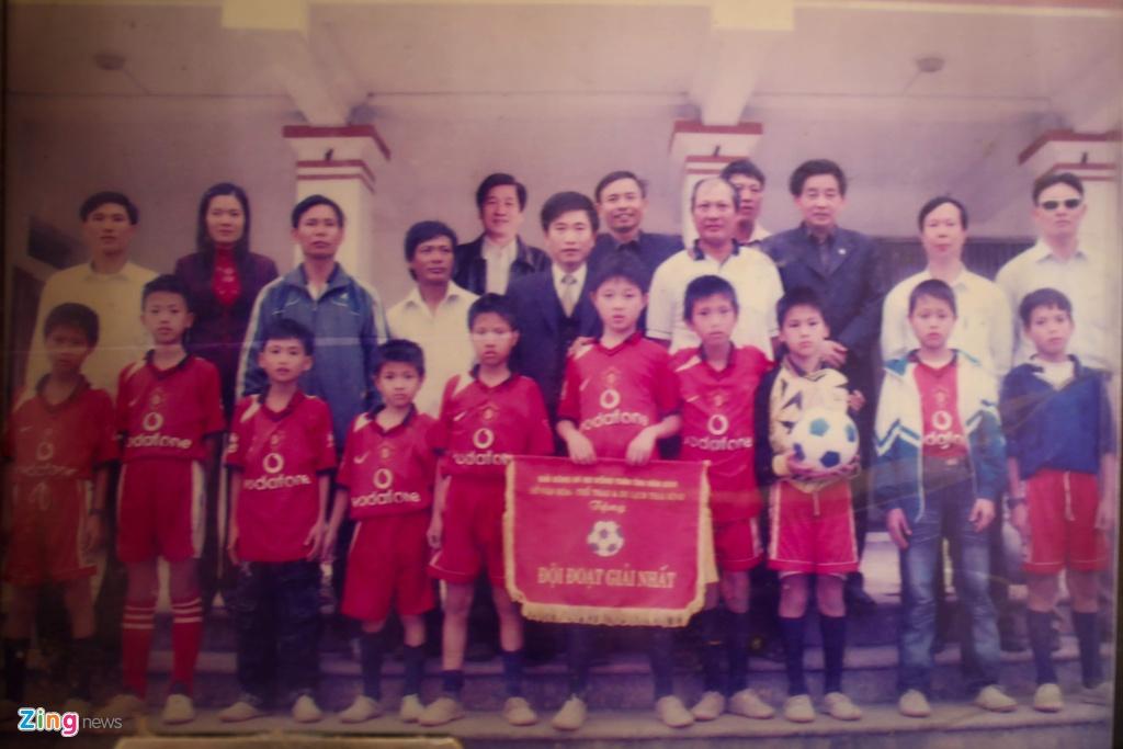 Doan Van Hau nuoi giac mo World Cup tu trai bong nhua hinh anh 2