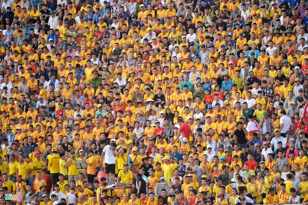 Diogo Pereira,  Gustavo Almeida dos Santos,  Paul Pogba,  Gordon Rimario,  Dinh Van Truong,  Pham Van Hoi,  CLB Nam Dinh,  CLB Thanh Hoa,  V.League anh 9