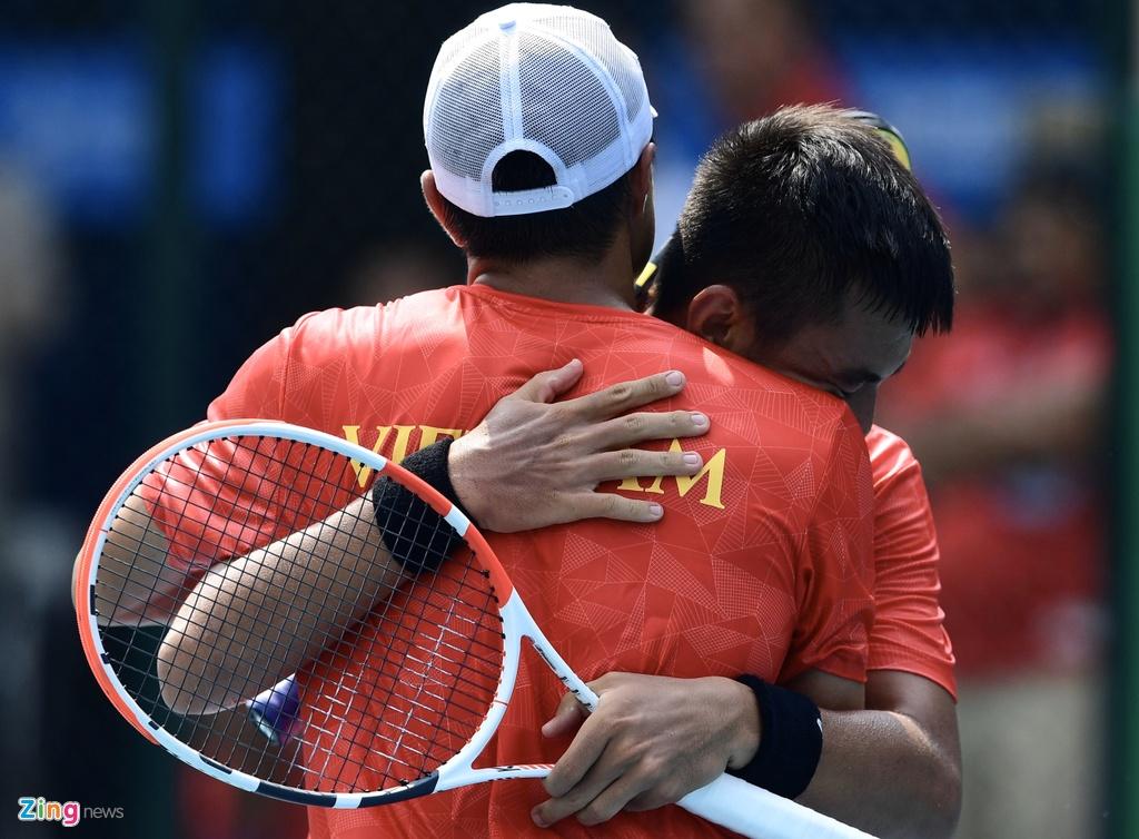 Ly Hoang Nam giup doan Viet Nam co HCV mon tennis tai SEA Games hinh anh 8