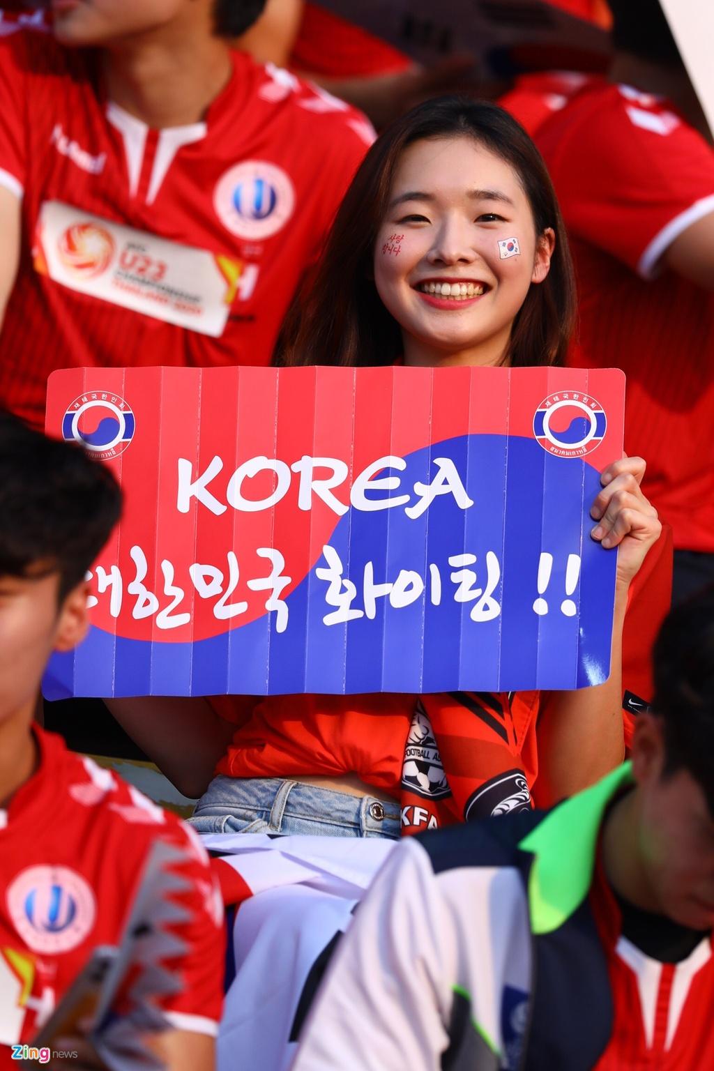 CDV Han Quoc nhuom do khan dai, cho doi nha gianh ngoi nhat bang hinh anh 3 korea11_zing.jpg