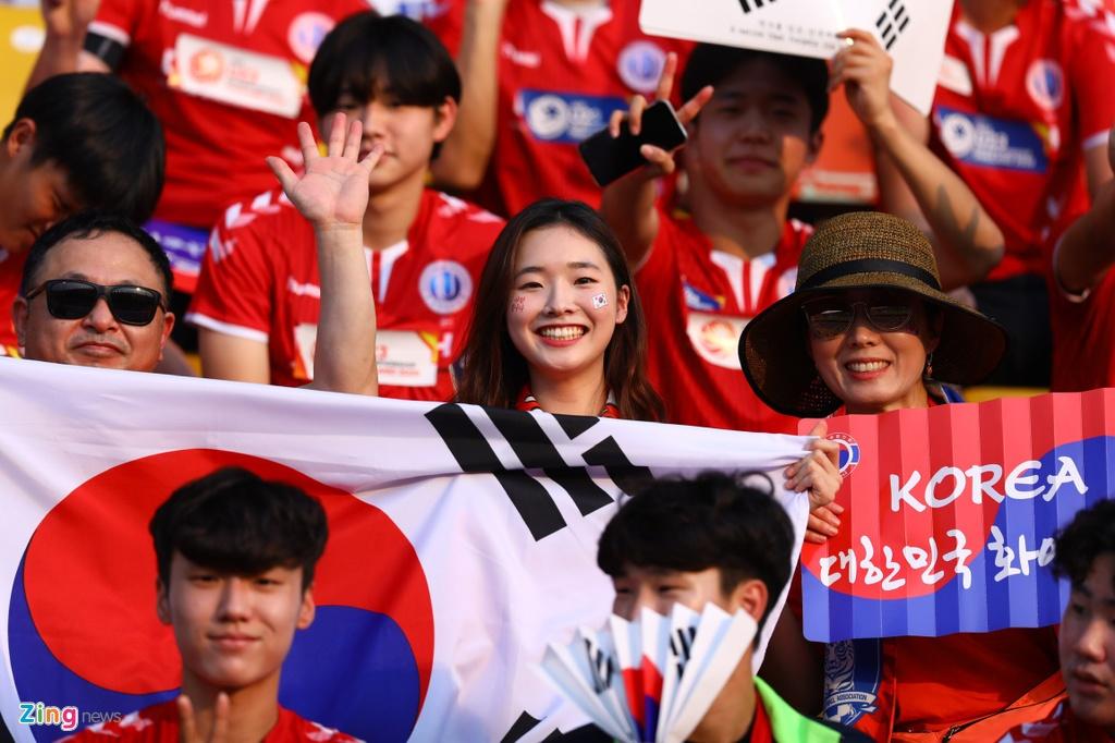 CDV Han Quoc nhuom do khan dai, cho doi nha gianh ngoi nhat bang hinh anh 2 korea12_zing.jpg