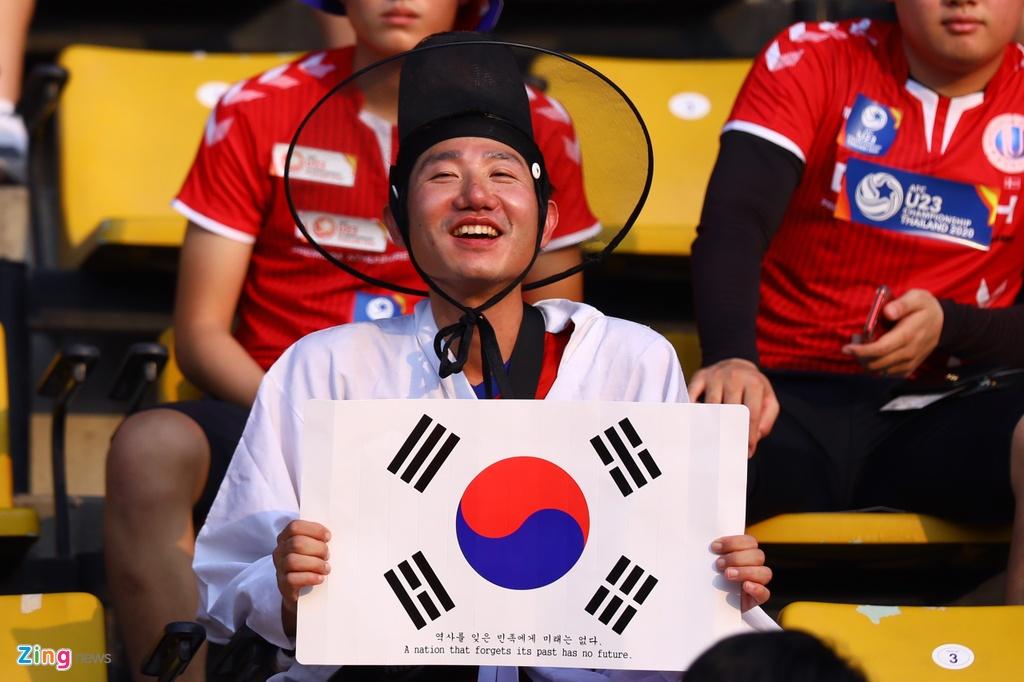 CDV Han Quoc nhuom do khan dai, cho doi nha gianh ngoi nhat bang hinh anh 7 korea4_zing.jpg
