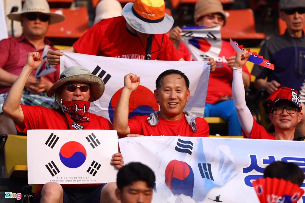 CDV Han Quoc nhuom do khan dai, cho doi nha gianh ngoi nhat bang hinh anh 1 korea8_zing.jpg