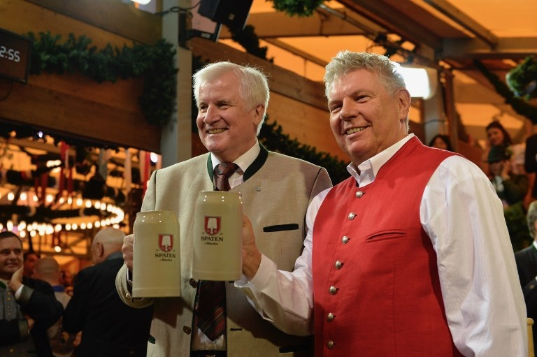 Munich tung bung trong le hoi bia Oktoberfest hinh anh 3
