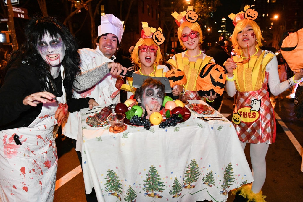 Xuong trang va da xoa dieu hanh tai New York trong dem Halloween hinh anh 5