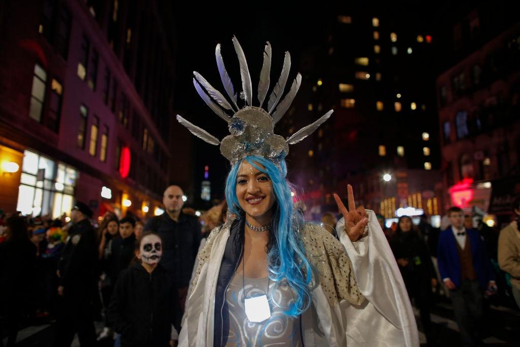 Xuong trang va da xoa dieu hanh tai New York trong dem Halloween hinh anh 6