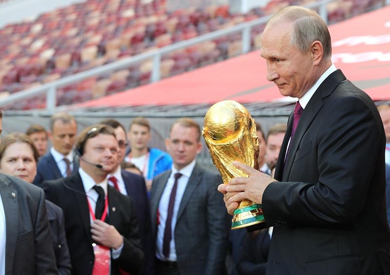 Nga duoc va mat gi sau khi chi hon 12 ty USD cho World Cup? hinh anh 3
