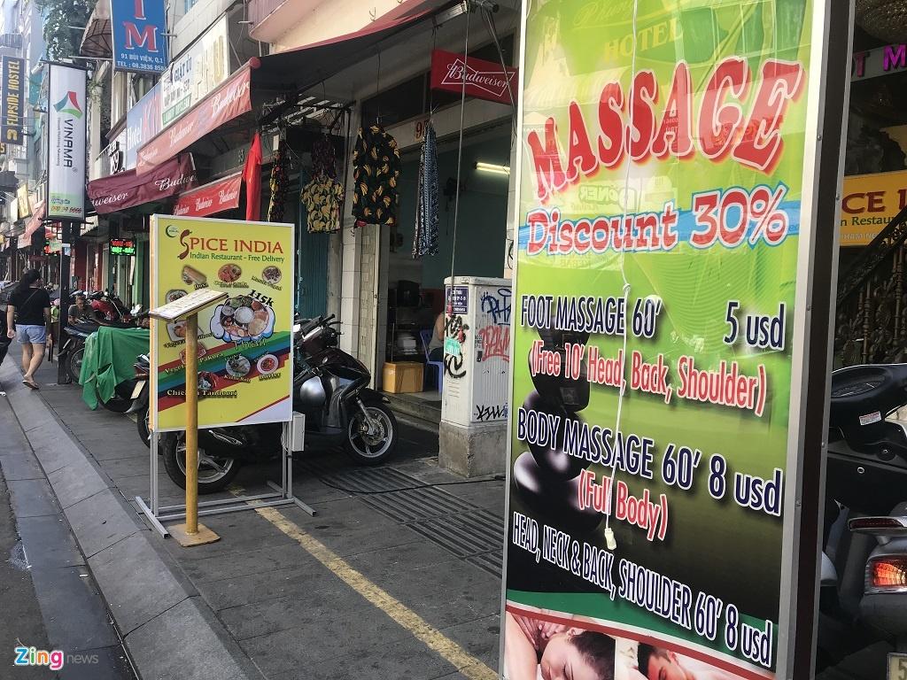 'Cho den' mua ban USD van nhon nhip du co the bi phat 90 trieu hinh anh 2