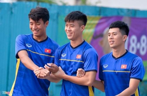 'Chuyen gia kem Tay' Dinh Trong tro lai doi hinh Olympic Viet Nam hinh anh 5