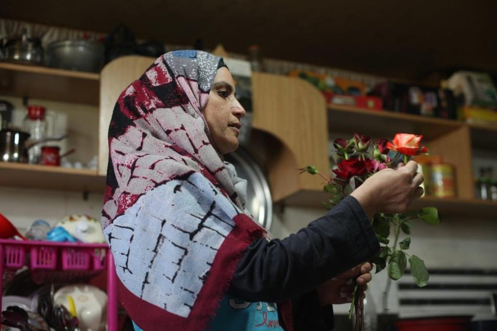 Nguoi Syria hoi sinh bang hat giong 'vua cua cac loai hoa hong' hinh anh 6