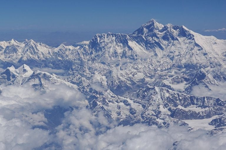Nepal do lai Everest anh 1