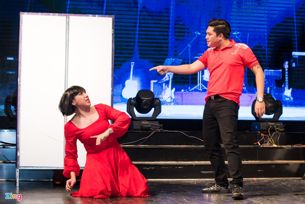 4.000 khan gia doi mua xem show Tran Thanh, Truong Giang hinh anh 4