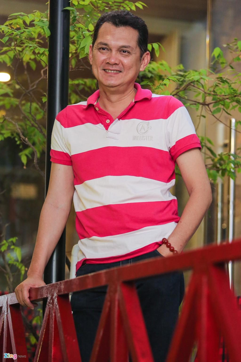 Cuoc song khong vo con cua NSUT Huu Chau o tuoi 50 hinh anh 4