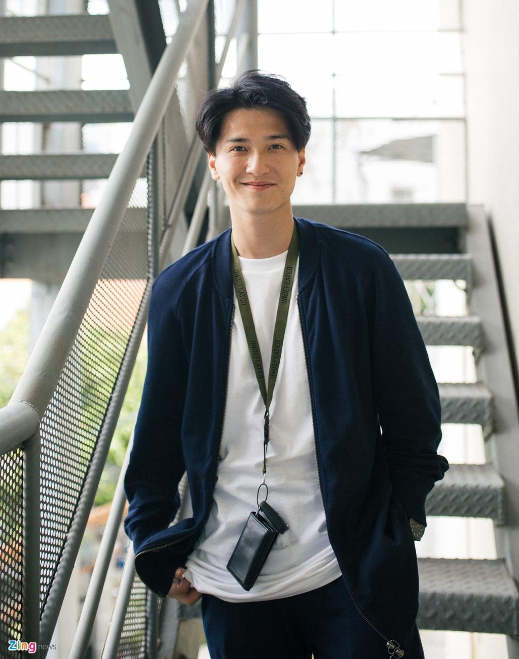 Viet Trinh diu dang ben ban trai Hoang Oanh trong ngay casting phim hinh anh 2