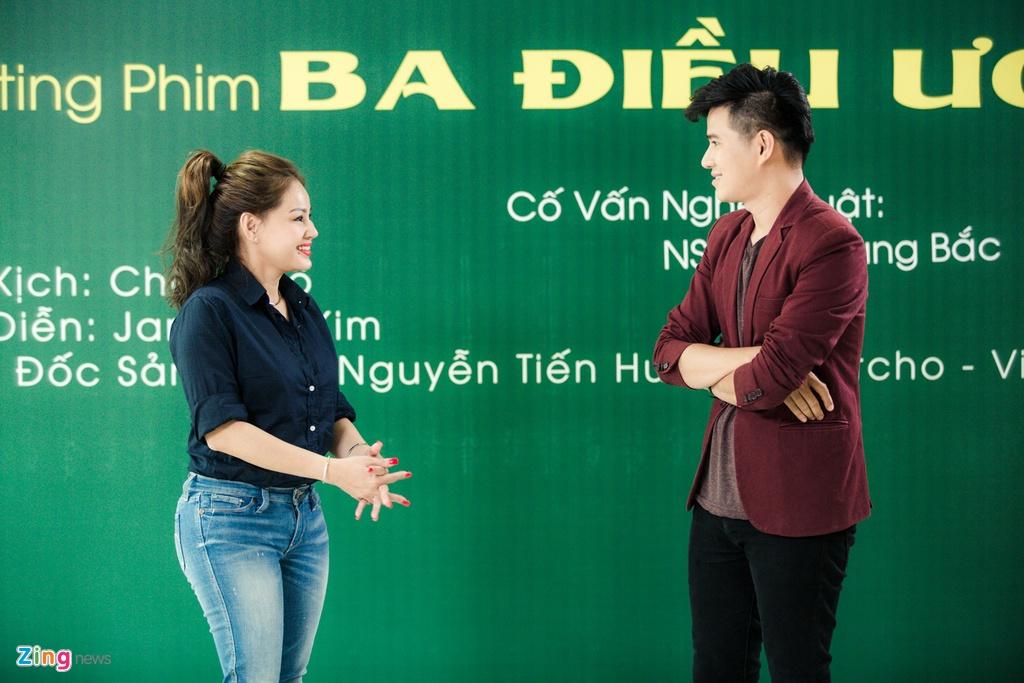 Viet Trinh diu dang ben ban trai Hoang Oanh trong ngay casting phim hinh anh 6