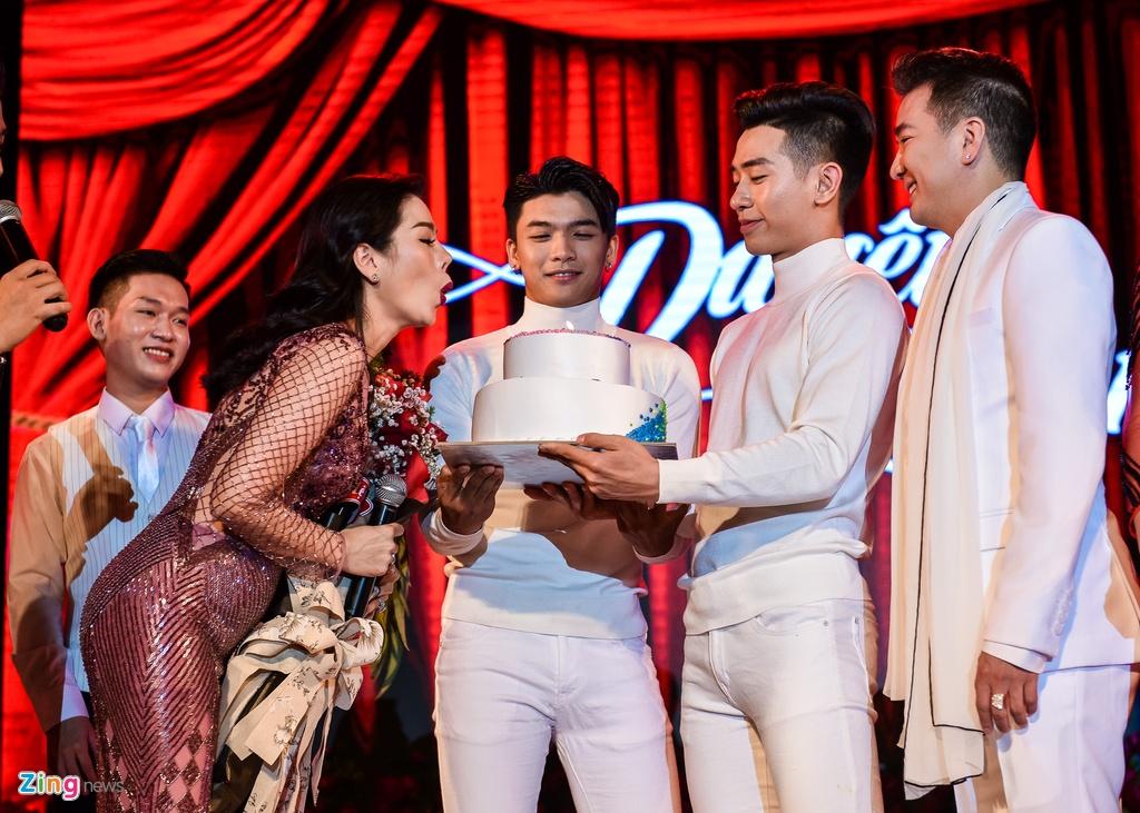 Me Dam Vinh Hung di ung ho con trai anh 5