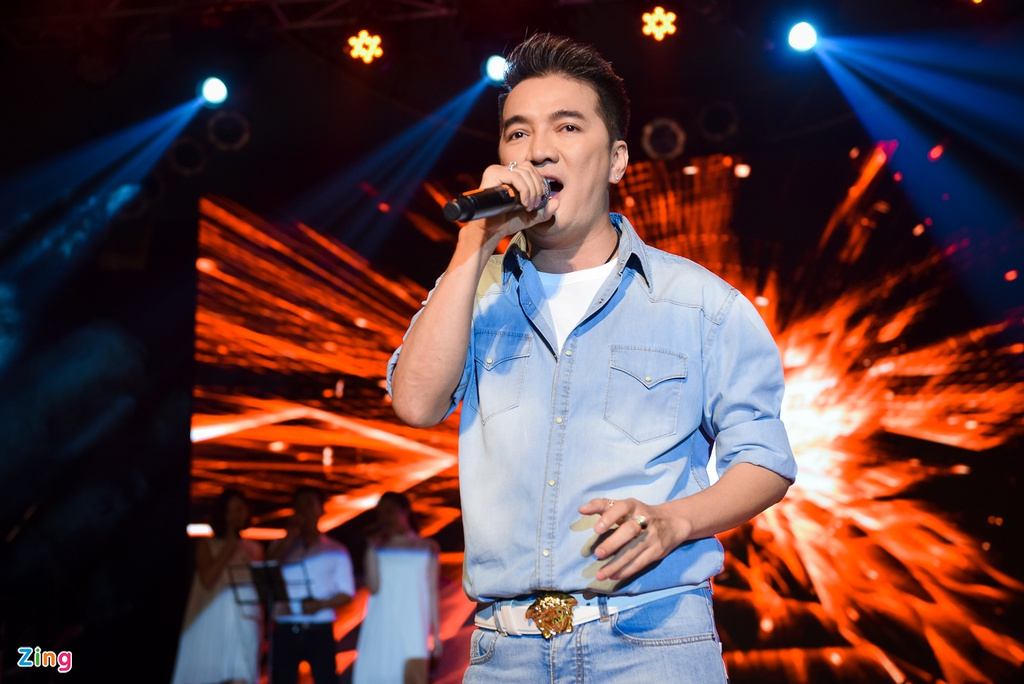 Me Dam Vinh Hung di ung ho con trai anh 6