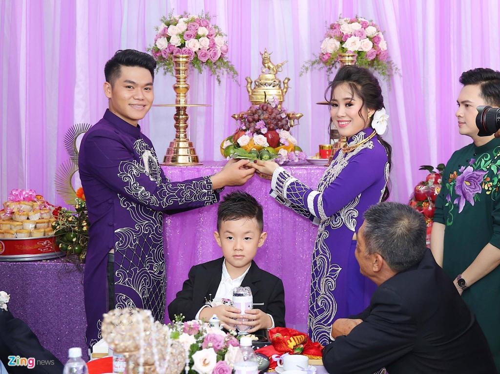 Le Phuong rang ngoi trong le cuoi lan hai o Tra Vinh hinh anh 11