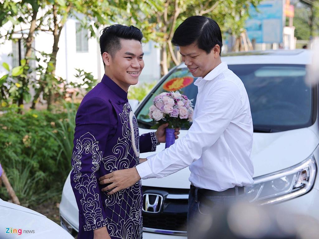 Le Phuong rang ngoi trong le cuoi lan hai o Tra Vinh hinh anh 3