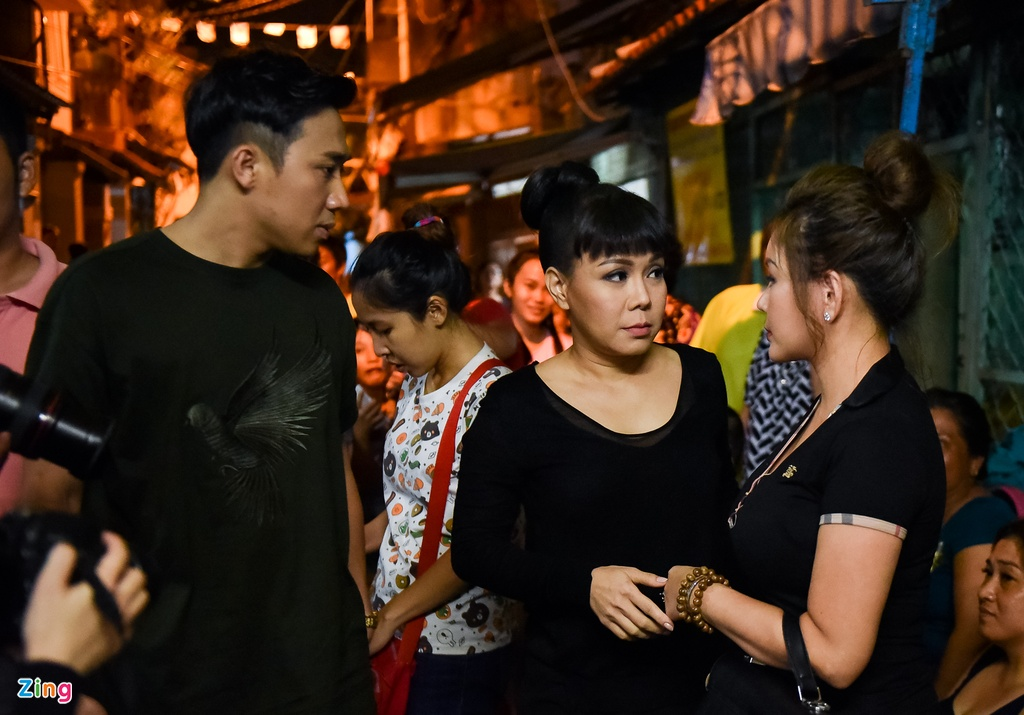 Tran Thanh, Viet Huong buon ba den vieng nghe si Khanh Nam luc khuya hinh anh 3