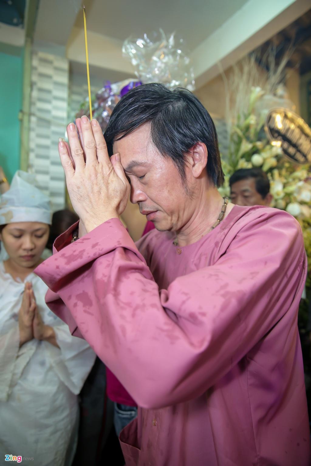 Danh hai Hoai Linh den tu biet nghe si Khanh Nam luc 1h sang hinh anh 3