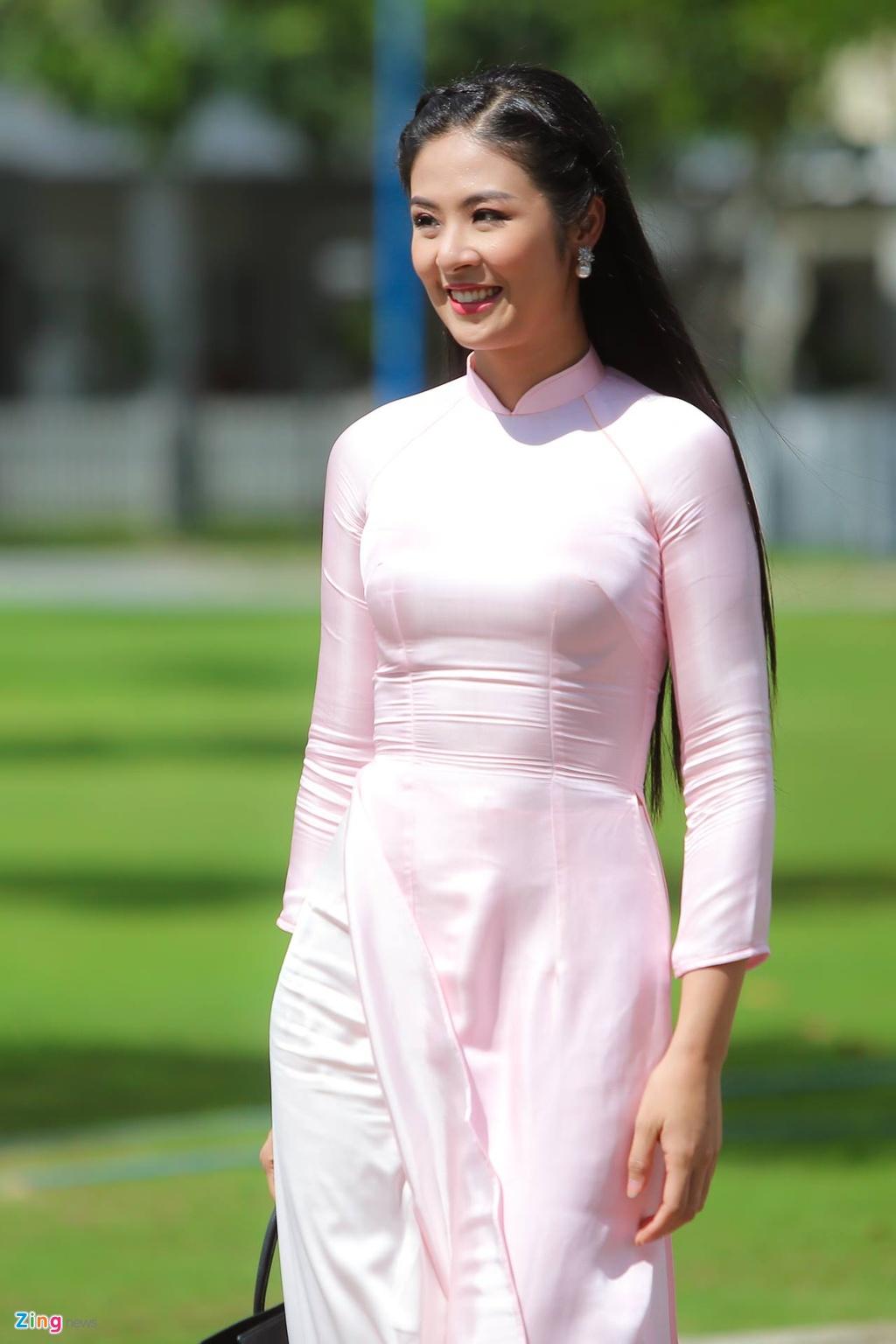 Hoa hau Ngoc Han tuoi tan lam phu dau cho Dang Thu Thao hinh anh 1