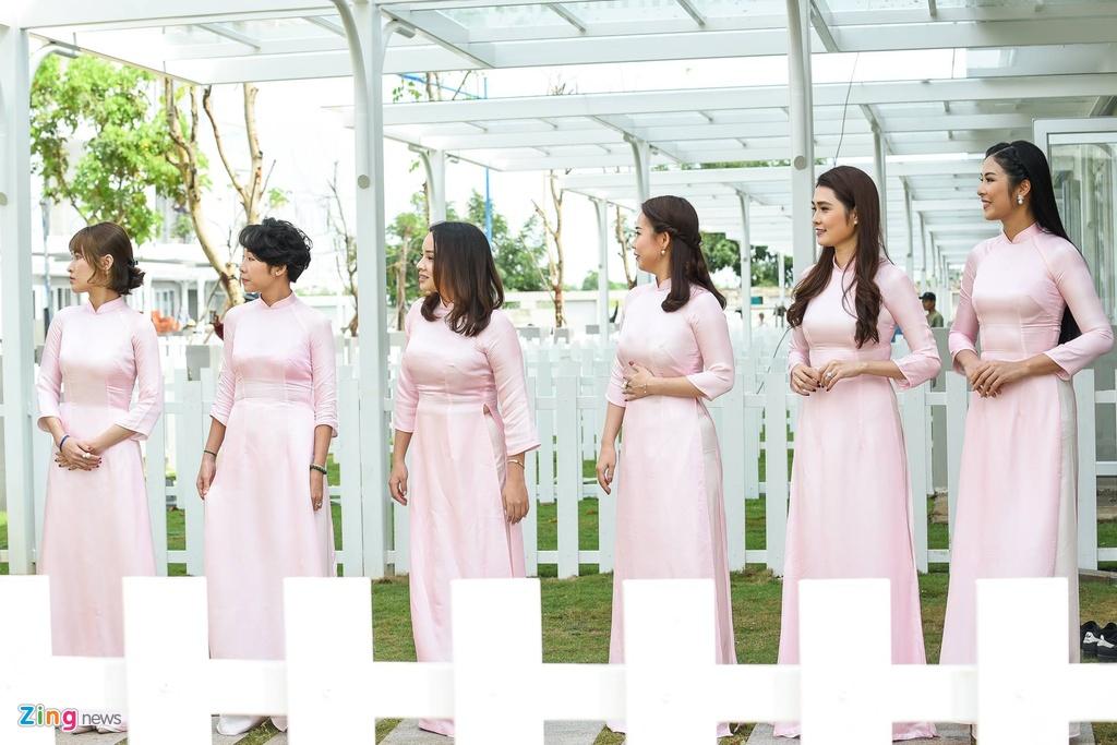 Hoa hau Ngoc Han tuoi tan lam phu dau cho Dang Thu Thao hinh anh 4
