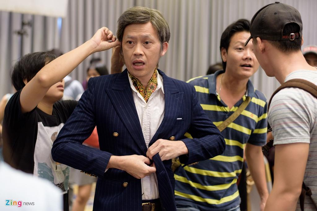 Mot ngay cua Hoai Linh tren phim truong anh 4