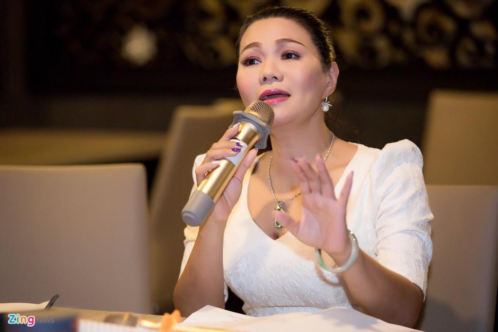 NSUT Ngoc Huyen: 'Toi yeu Kim Tu Long rat nhieu nhung so anh dao hoa' hinh anh 2