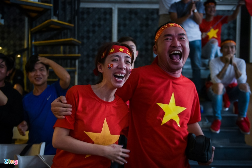 Dan sao Viet dung ngoi khong yen khi theo doi tran U23 VN - Uzbekistan hinh anh 13