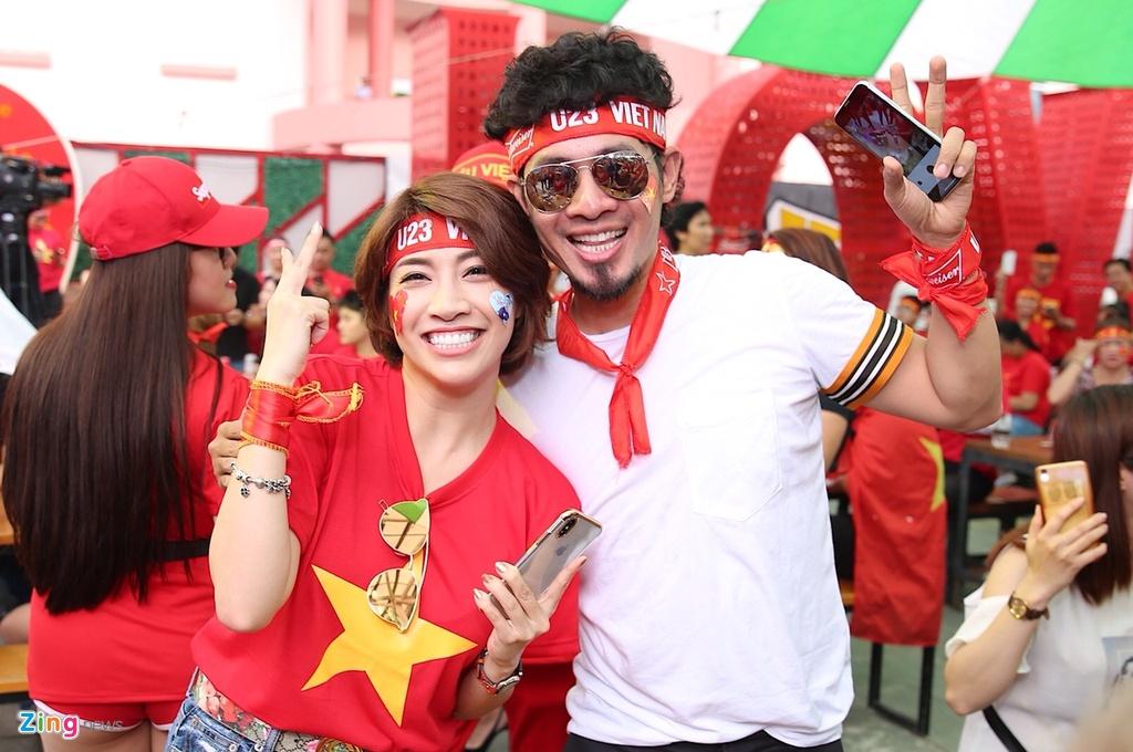 Dan sao Viet dung ngoi khong yen khi theo doi tran U23 VN - Uzbekistan hinh anh 17