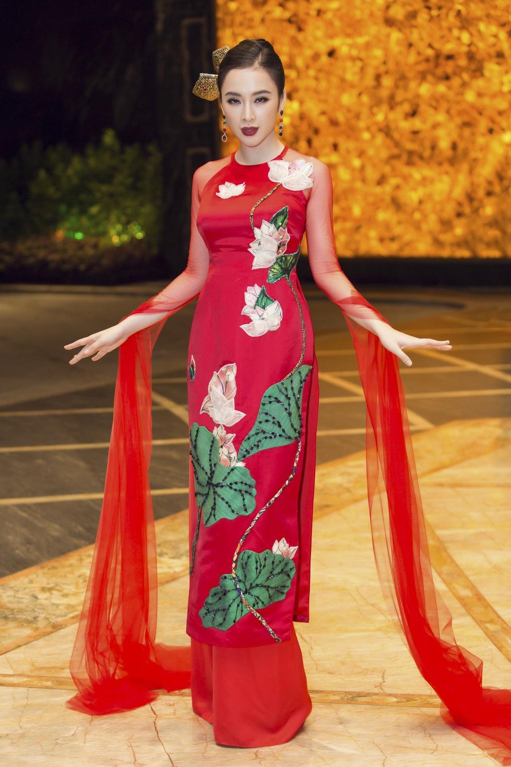 Angela Phuong Trinh dien ao dai dinh da quy o Le hoi ao dai 2018 hinh anh 1