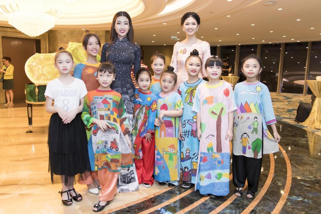 Angela Phuong Trinh dien ao dai dinh da quy o Le hoi ao dai 2018 hinh anh 4
