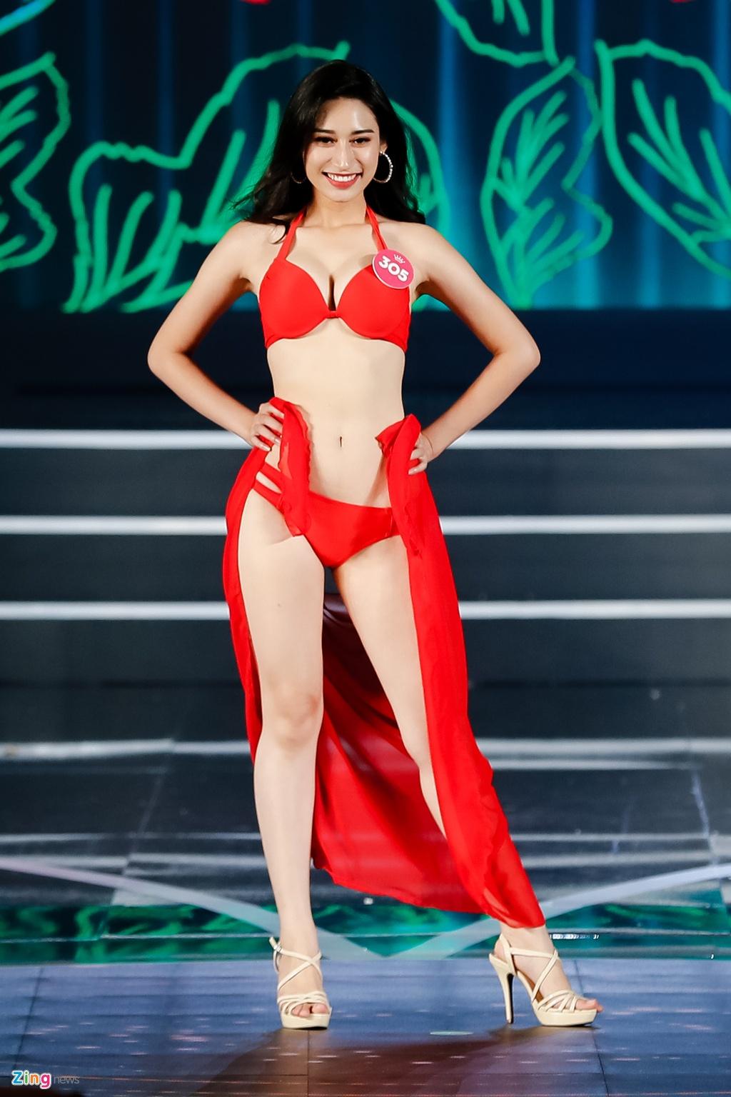 Thi sinh Hoa hau Viet Nam trinh dien bikini nong bong hinh anh 4