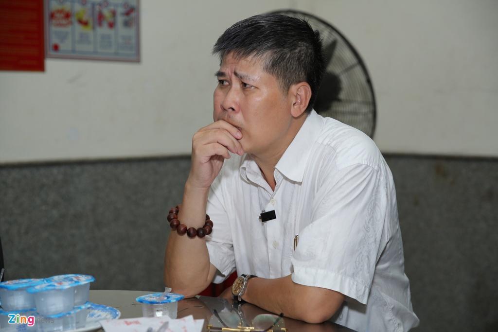 Phi Nhung, Quyen Linh den vieng nghe si Thanh Hoang luc dem muon hinh anh 9