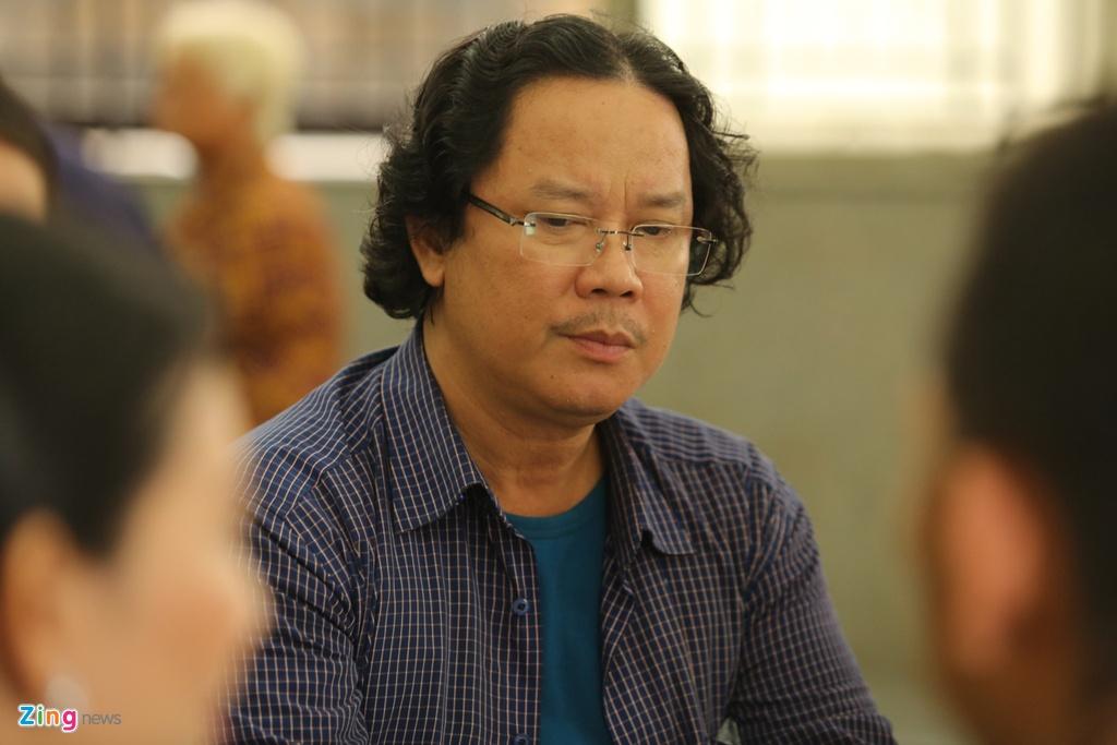 Phi Nhung, Quyen Linh den vieng nghe si Thanh Hoang luc dem muon hinh anh 18