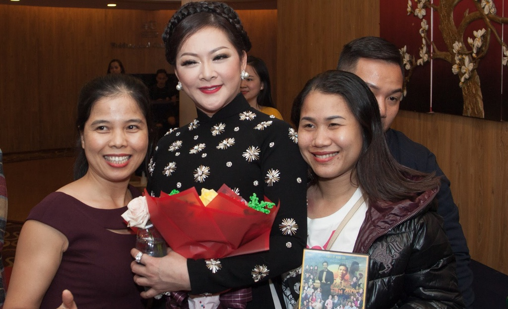 Nhu Quynh hat tan co trong show o Da Nang anh 7