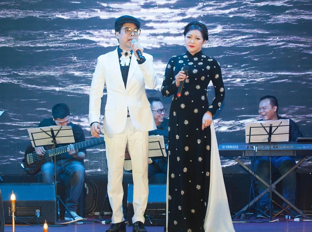 Nhu Quynh hat tan co trong show o Da Nang anh 5