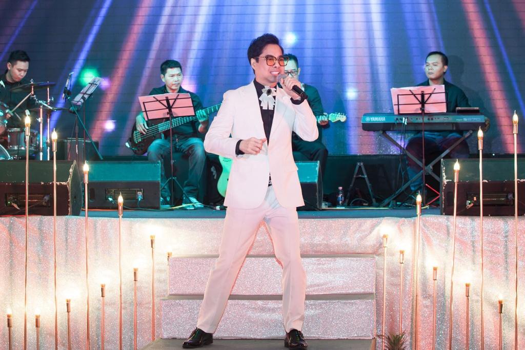 Nhu Quynh hat tan co trong show o Da Nang anh 4